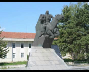 Паметник на кесар Тервел в град Тервел