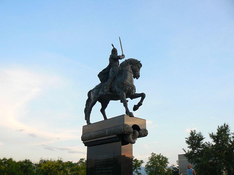 Паметник на Крум в Пловдив