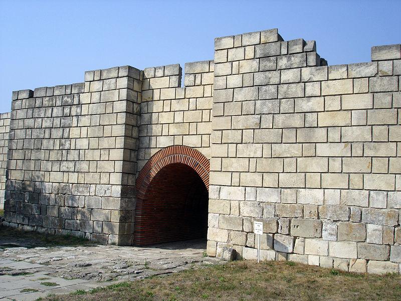 Вход към крепостта на Плиска, столицата на Крум